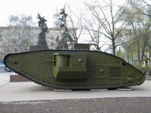 Тяжелые танки Mk V и Mk V* (со звездой)